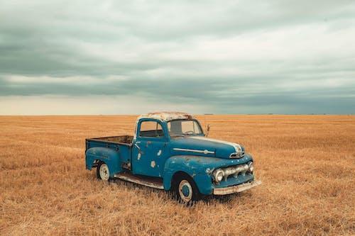 Immagine gratuita di abbandonato, arrugginito, auto, camion