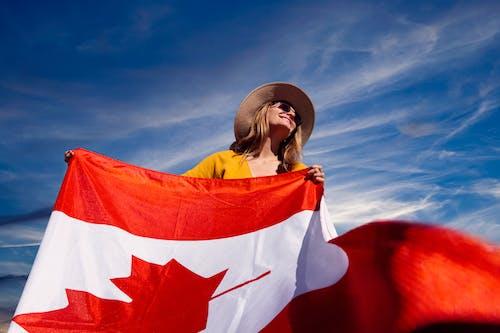 Imagine de stoc gratuită din Canada, cer, drapelul canadian, femeie