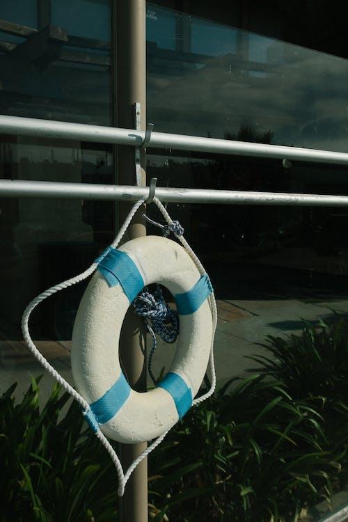 Photos gratuites de anneau de sécurité, bouée, cercle, corde