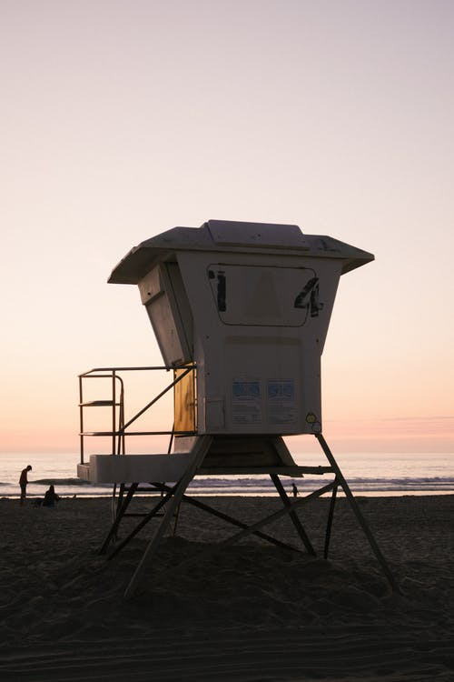 Kostnadsfri bild av gryning, havsstrand, livräddare, livräddare tornet
