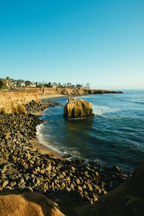 à beira-mar, ao ar livre, beira-mar