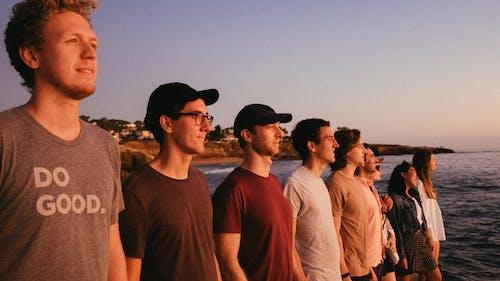 Foto stok gratis grup, laki-laki, manusia, pantai