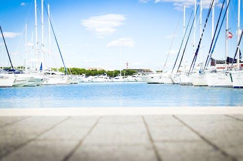 Immagine gratuita di acqua, azzurro, baia, banchina