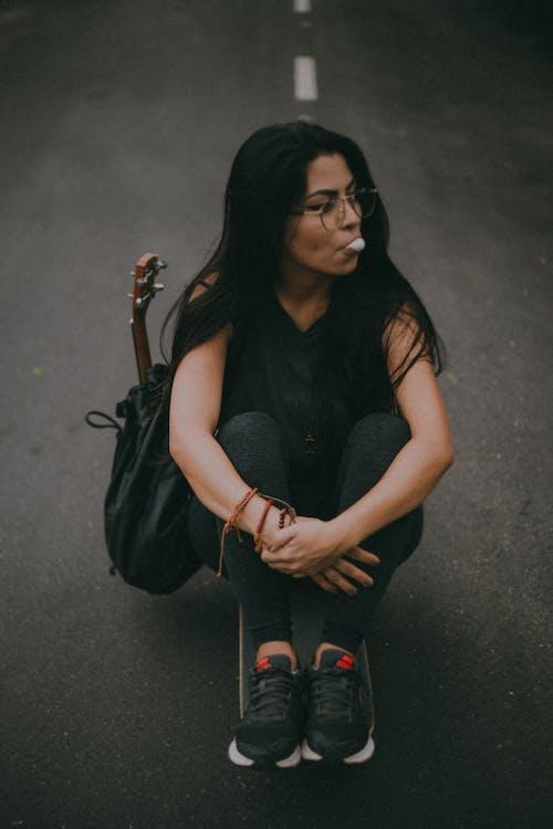 20-25岁的女人, 四弦琴, 女人, 巴西女人 的 免费素材照片