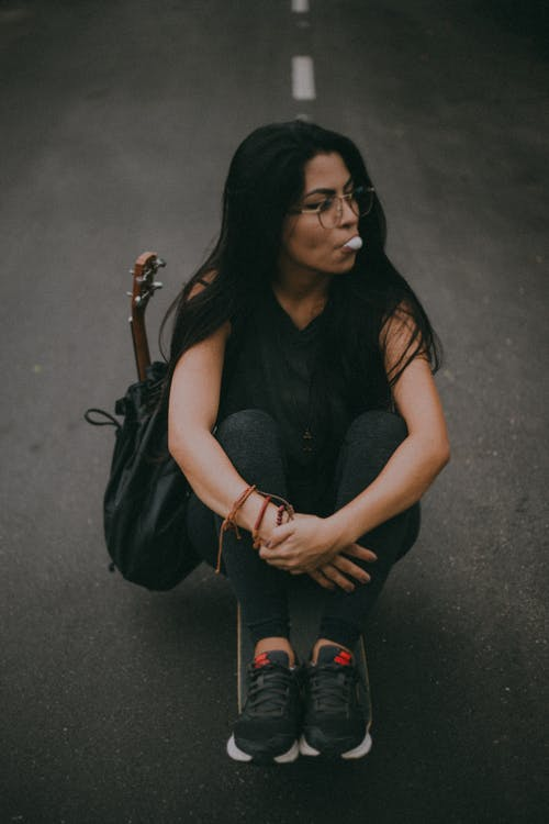 20〜25歳の女性, ウクレレ, グレー