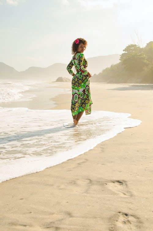 deniz, Kadın, kişi, kum içeren Ücretsiz stok fotoğraf