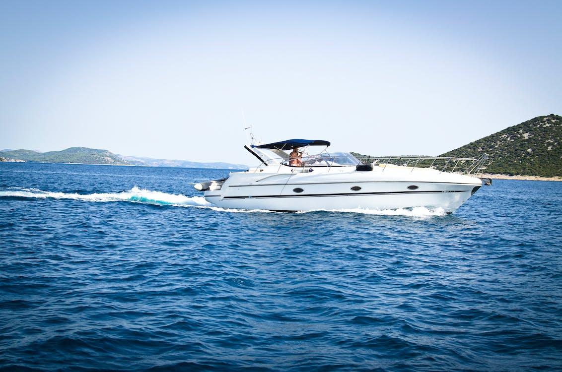 bateau, bateau à moteur, blanc