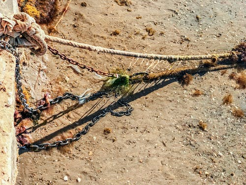 deniz kıyısı, gemi halatı, Zincir içeren Ücretsiz stok fotoğraf