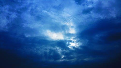Gratis lagerfoto af atmosfære, blå, blå himmel, dag