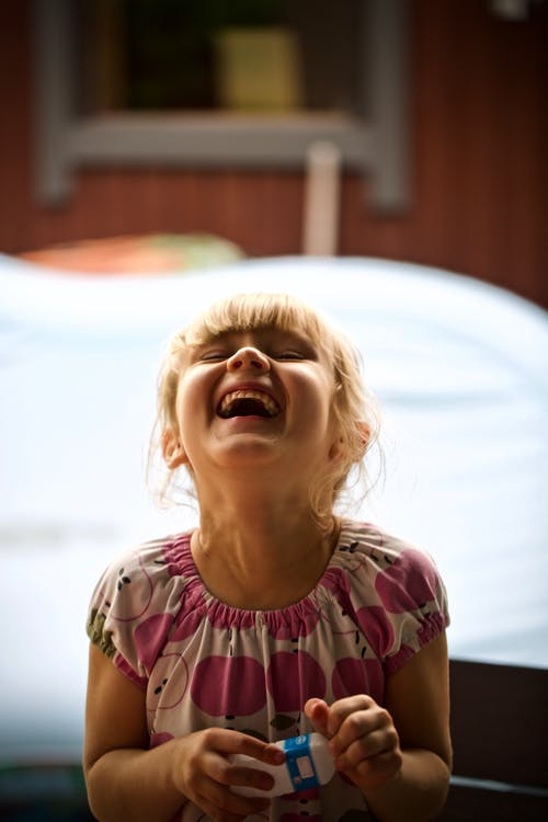 Foto profissional grátis de adorável, alegre, alegria, bonitinho