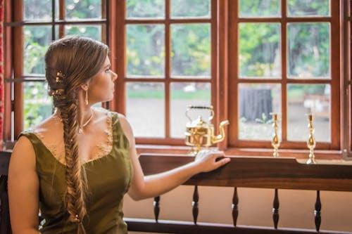 Ảnh lưu trữ miễn phí về con gái, cửa sổ, mô hình, mơ tưởng
