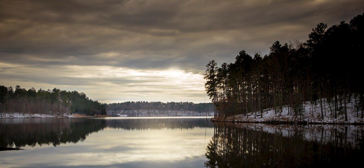 ตะวันลับฟ้า, ทะเลสาป, น้ำ