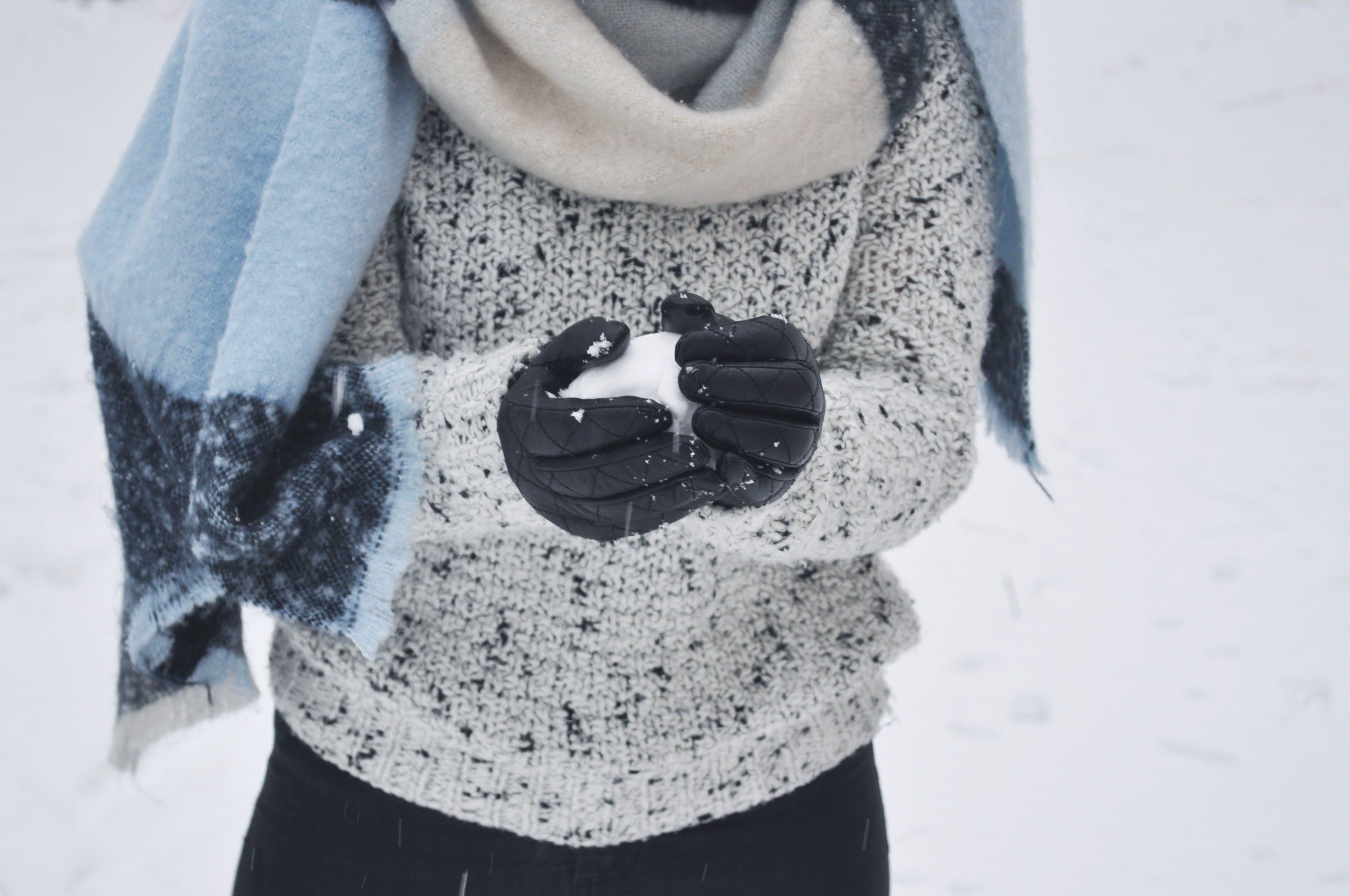 Immagine gratuita di abbigliamento invernale, bianco, freddo, giornata luminosa