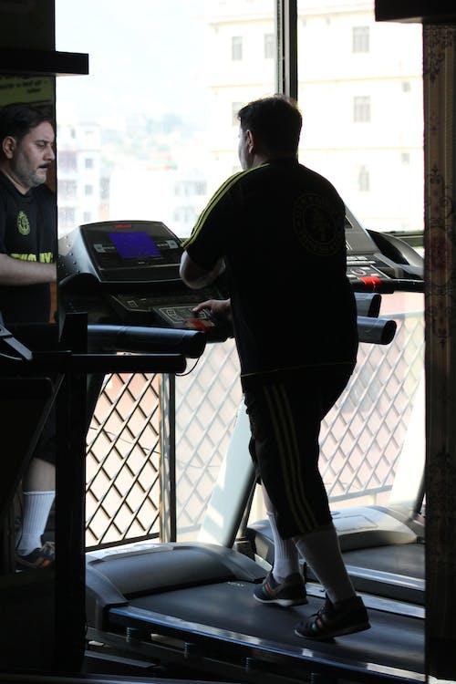 Kostnadsfri bild av fitness, gym, löparbana, löpning