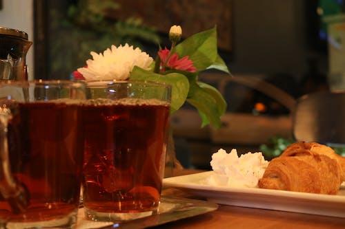 Foto profissional grátis de chá preto, noite