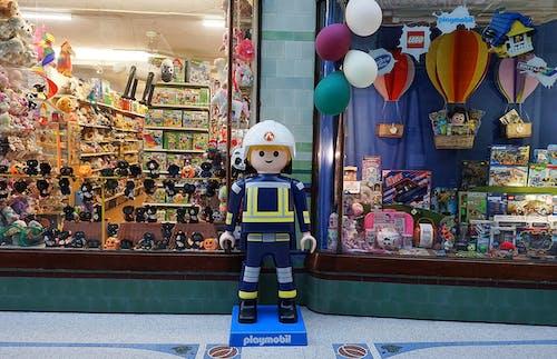 Fotos de stock gratuitas de Centro comercial, comprando, escaparate, juguete para niños