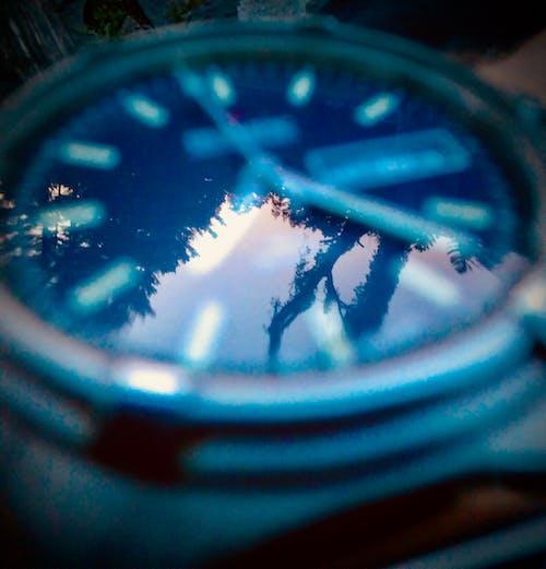 Fotobanka sbezplatnými fotkami na tému čas, hodinky, odrazy, pozorovať
