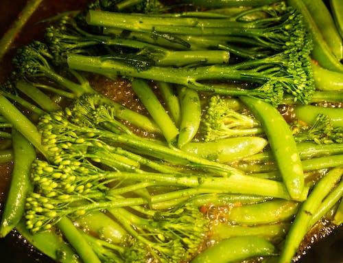 Безкоштовне стокове фото на тему «брокколі, вегетаріанський, великий план, горох»