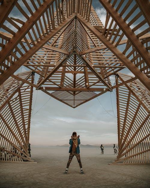 Бесплатное стоковое фото с активный отдых, архитектура, дерево, деревянный
