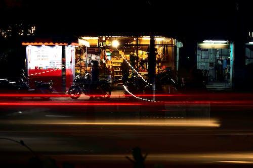 Foto d'estoc gratuïta de ciutat de nit, exposició llarga, lentera lenta, mitjanit