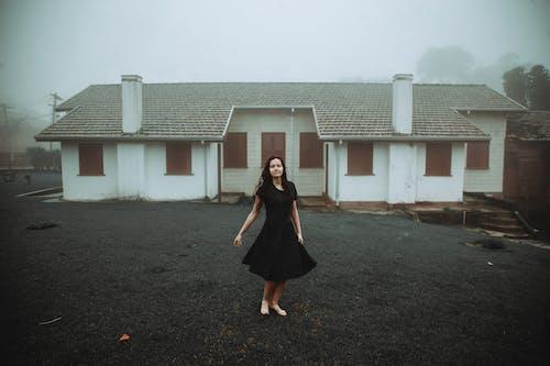 Základová fotografie zdarma na téma architektura, bouře, budova, déšť
