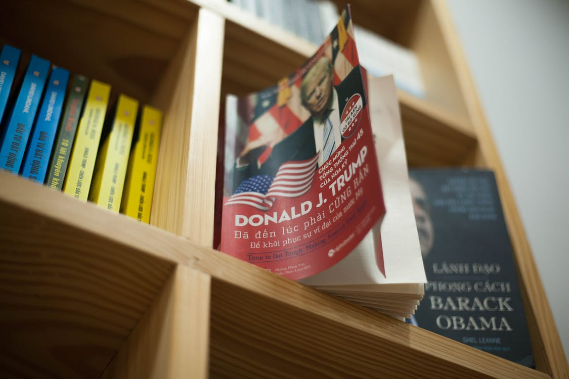 ドナルドj.トランプの本