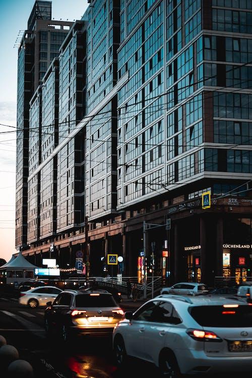 Kostnadsfri bild av bilar, byggnad, fordon, stad