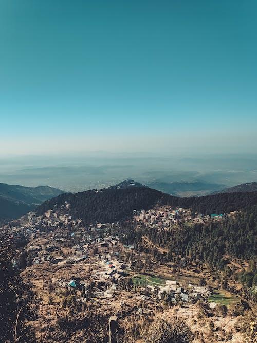 Photos gratuites de calme, caméra drone, chaînes de montagnes, ciel