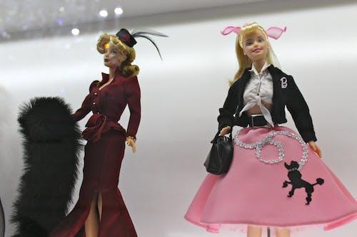 Photos gratuites de barbie, jouets, la cinquantaine, poupées barbie