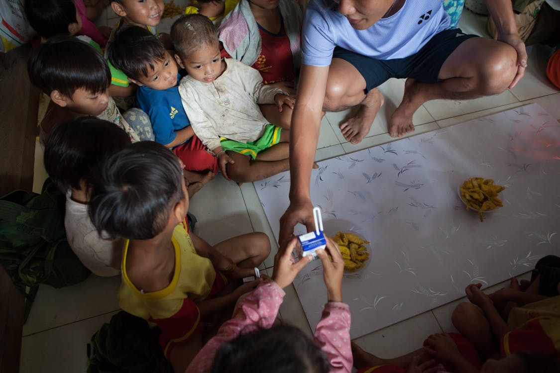 dobroczynność, dzieci, życie
