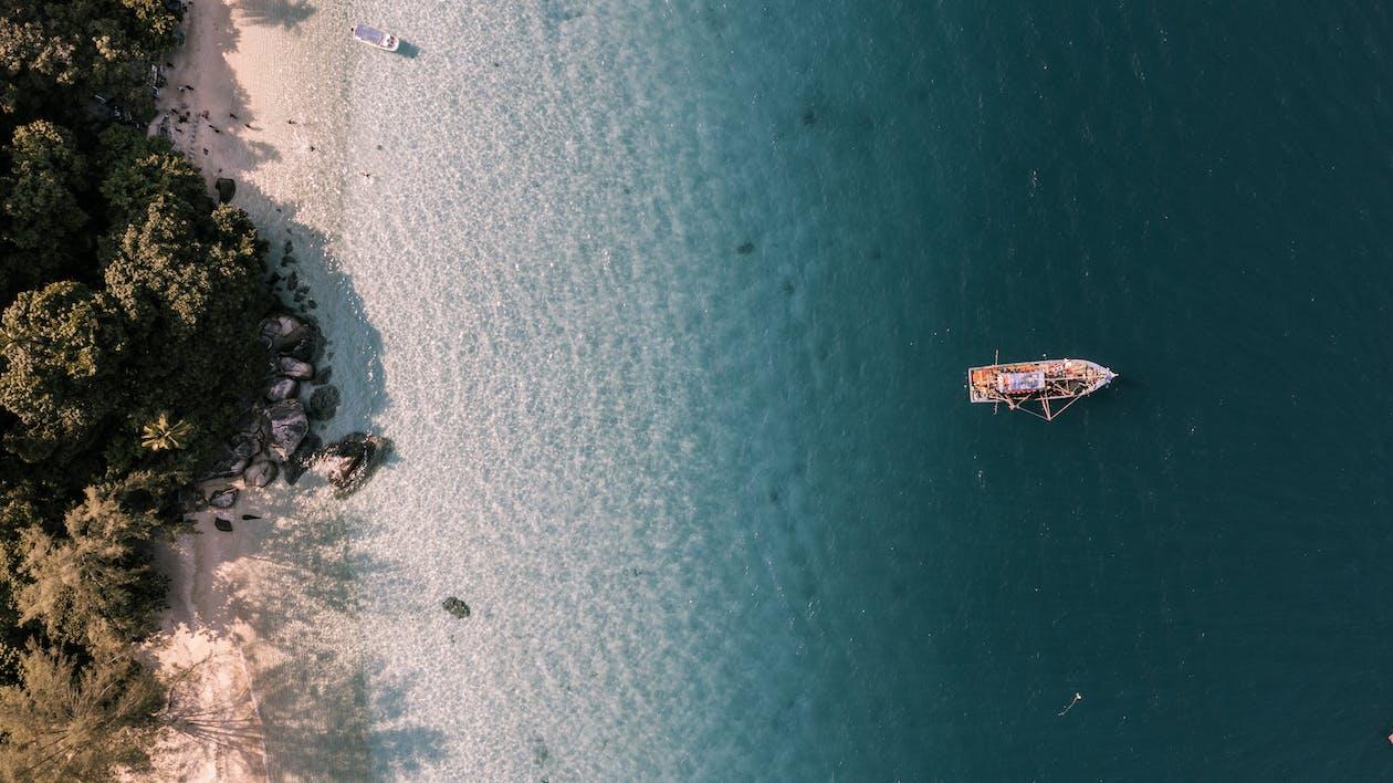 båd, droneoptagelse, fra oven