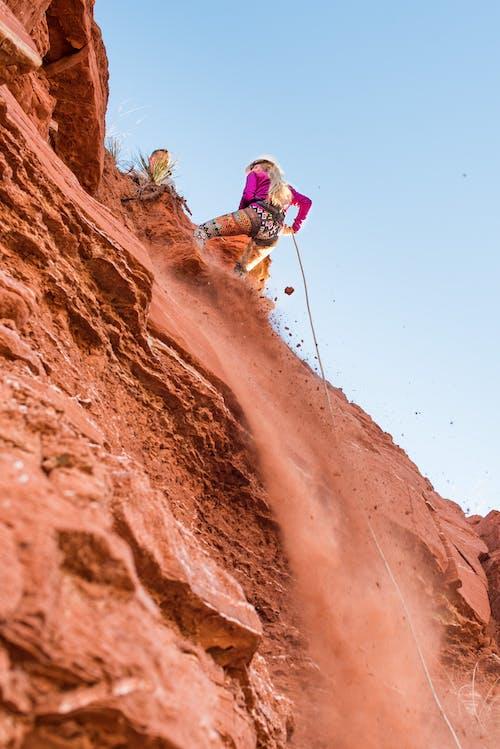 Foto profissional grátis de acampamento, acampamento menina, adolescente, alpinista