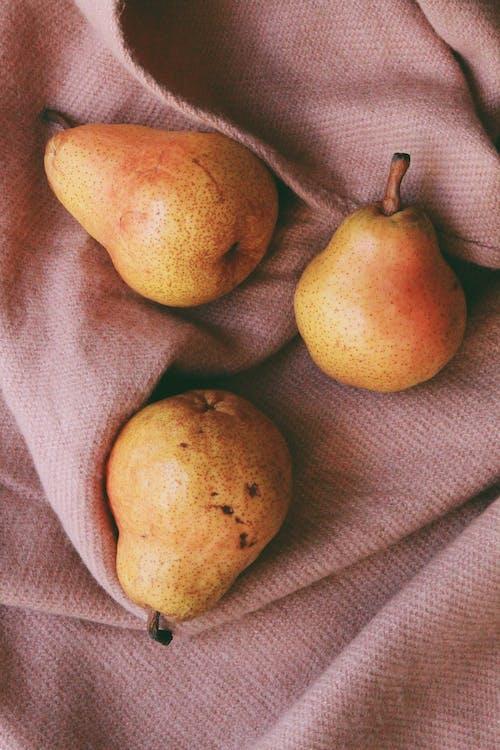 Kostenloses Stock Foto zu birnen, früchte, saftig, stillleben