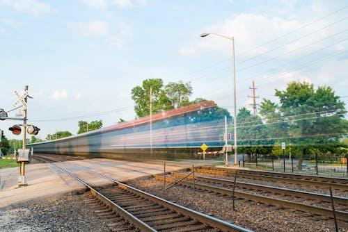 Foto profissional grátis de cidade, deslocar-se, estação de trem, excesso de velocidade
