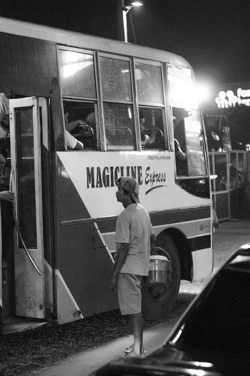 Бесплатное стоковое фото с автобус, бедность, бедный, стоящий