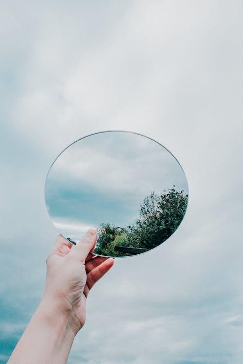 Imagine de stoc gratuită din în formă de minge, mână, minge, oglindă