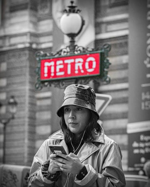 Gratis arkivbilde med #models, fransk jente, regn, storby