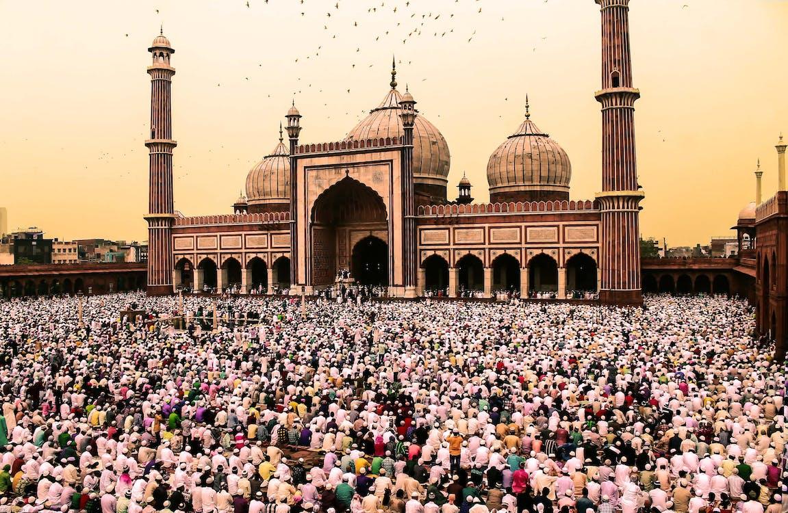 Photo Of Crowd Of People Gathering Near Jama Masjid, Delhi