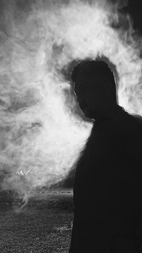 Foto stok gratis asap, berasap, laki-laki