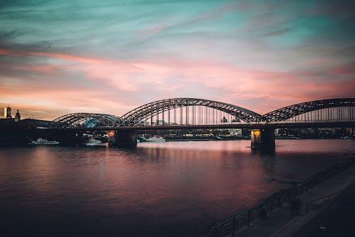 Photos gratuites de architecture, bord de l'eau, ciel, connexion