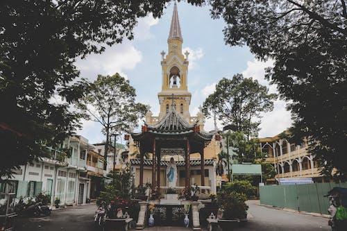Ilmainen kuvapankkikuva tunnisteilla Aasia, arkkitehtuuri, katolilaisuus, kirkko