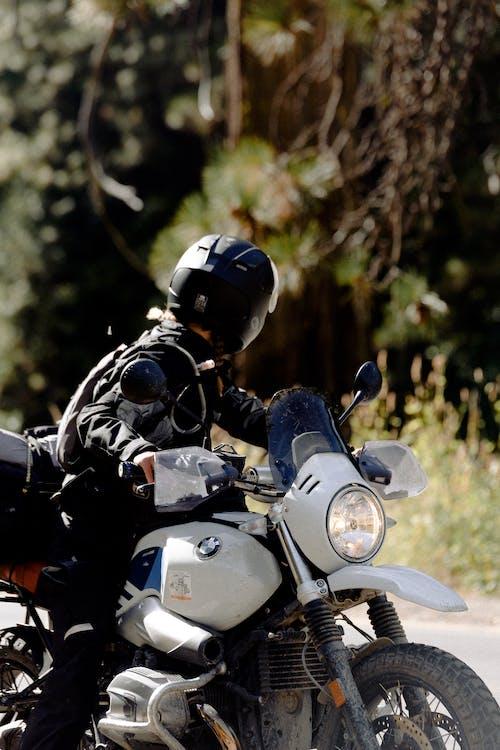 Ingyenes stockfotó autózás, bicikli, Férfi, jármű témában