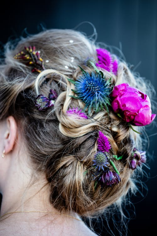 Woman's Hairstyle