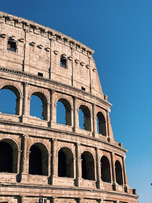 Бесплатное стоковое фото с арки, голубое небо, голубой, древнеримская архитектура