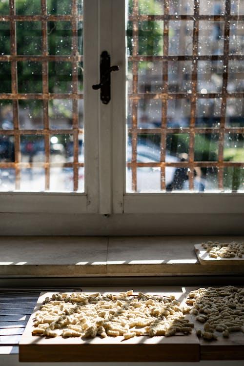 Fotos de stock gratuitas de acogedor, adentro, arquitectura, artículos de cristal