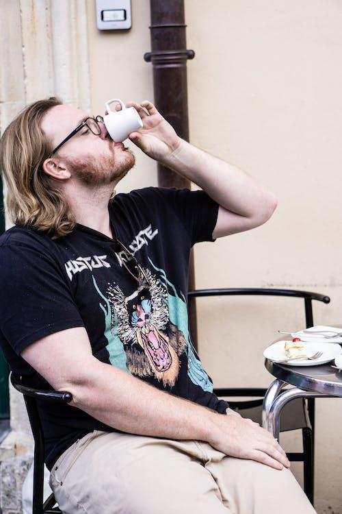 남자, 사람, 술을 마시다, 음주의 무료 스톡 사진