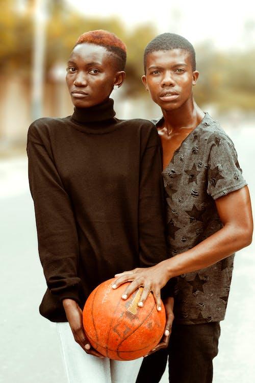 Fotobanka sbezplatnými fotkami na tému basketbal, byť spolu, černoch, černosi