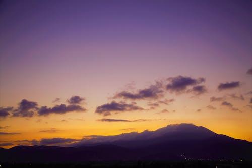 Δωρεάν στοκ φωτογραφιών με Ανατολή ηλίου, αυγή, βουνό, νωρίς το πρωί