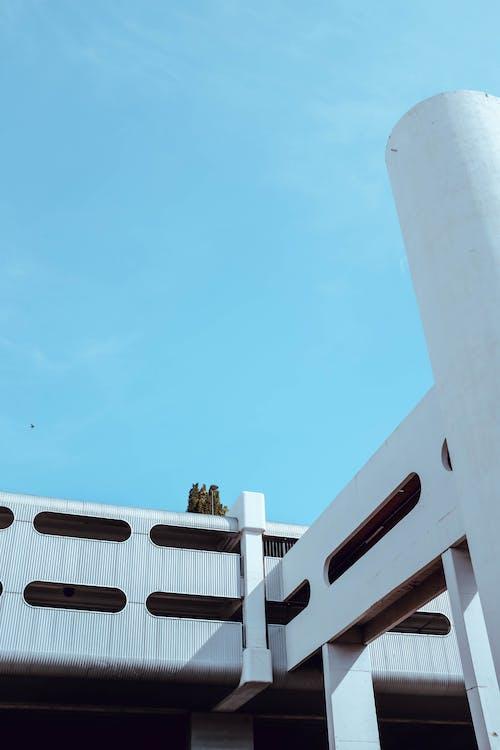 Immagine gratuita di alto, architettura, architettura moderna, bianco