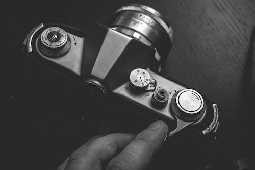 Fotobanka sbezplatnými fotkami na tému čierna, človek, detailný záber, drevený